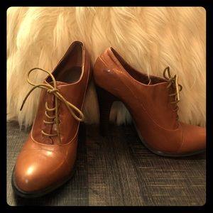 Oxford Aldo heels